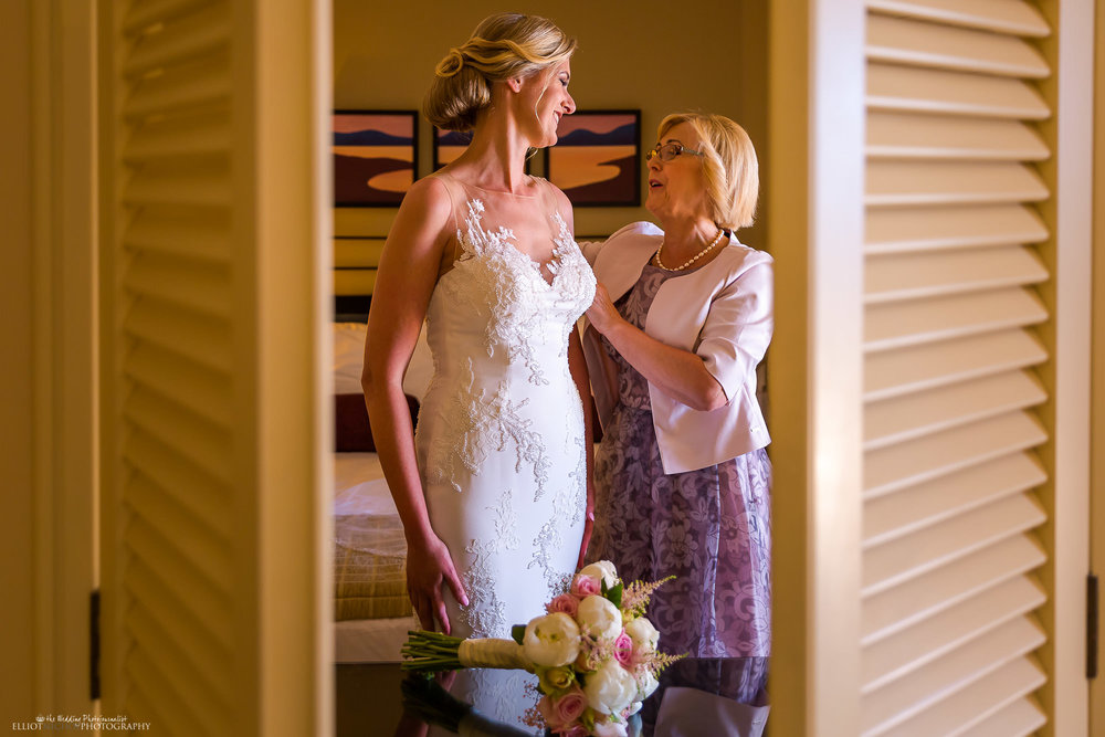 bride-mother-getting-ready-wedding-day-photo-destination