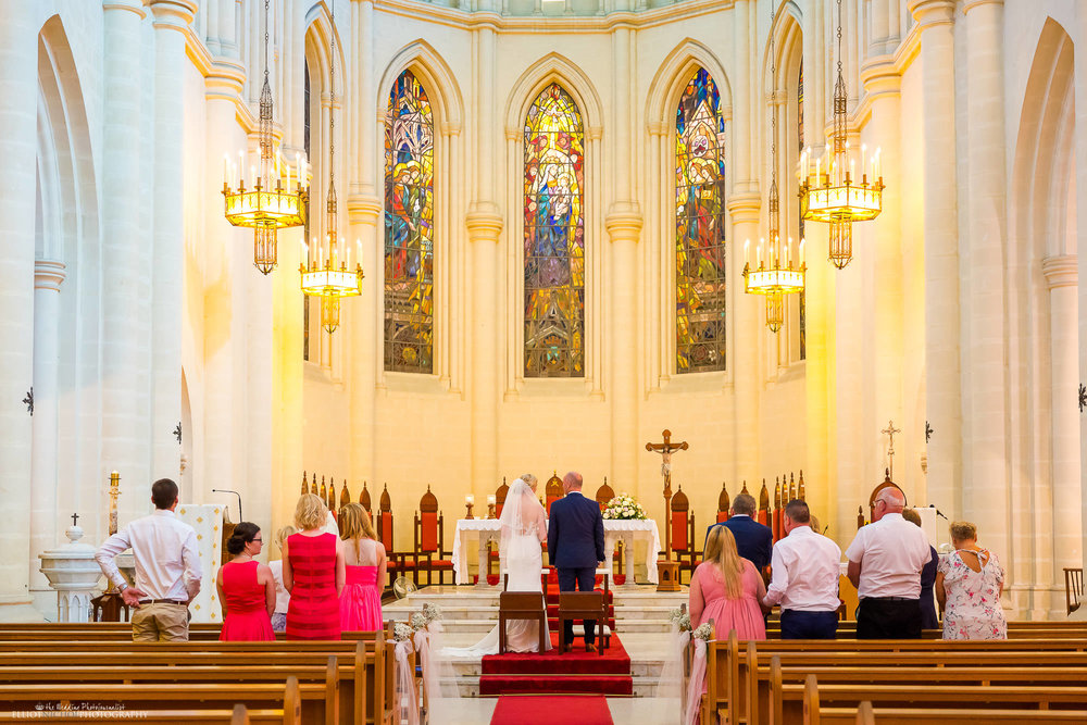 altar-wedding-bride-groom-intimate-weddings-church
