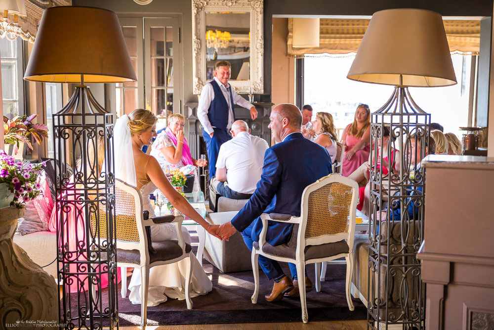 intimate-wedding-photography-venue-restaurant-reception