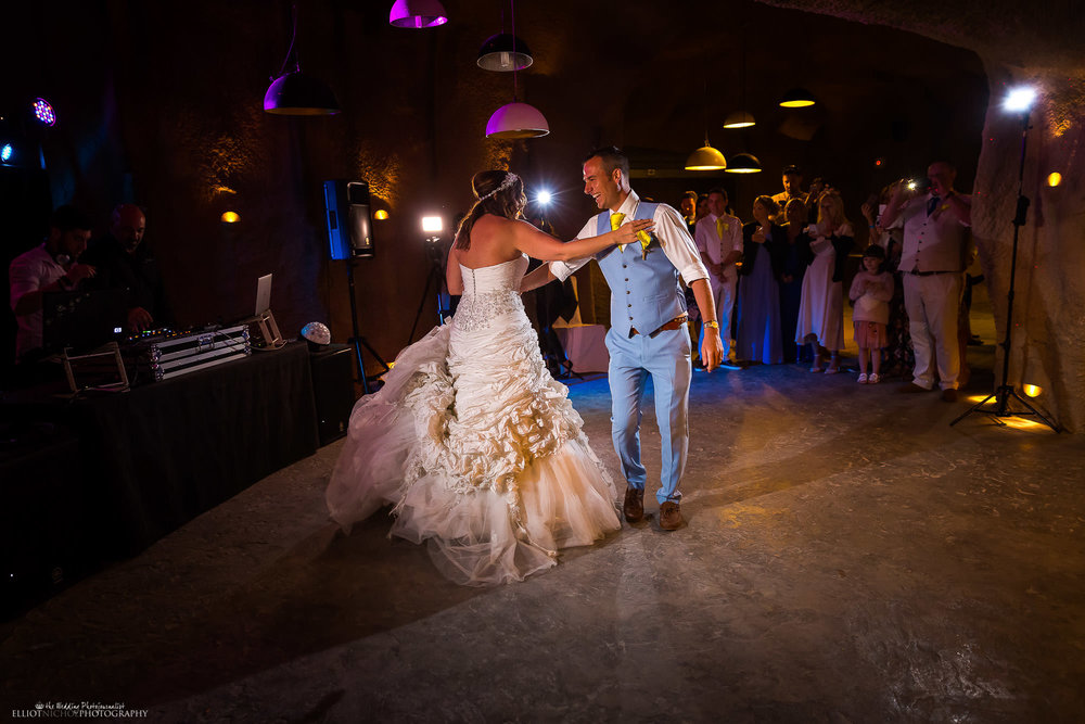 first-dance-bride-groom-wedding-destination-photography