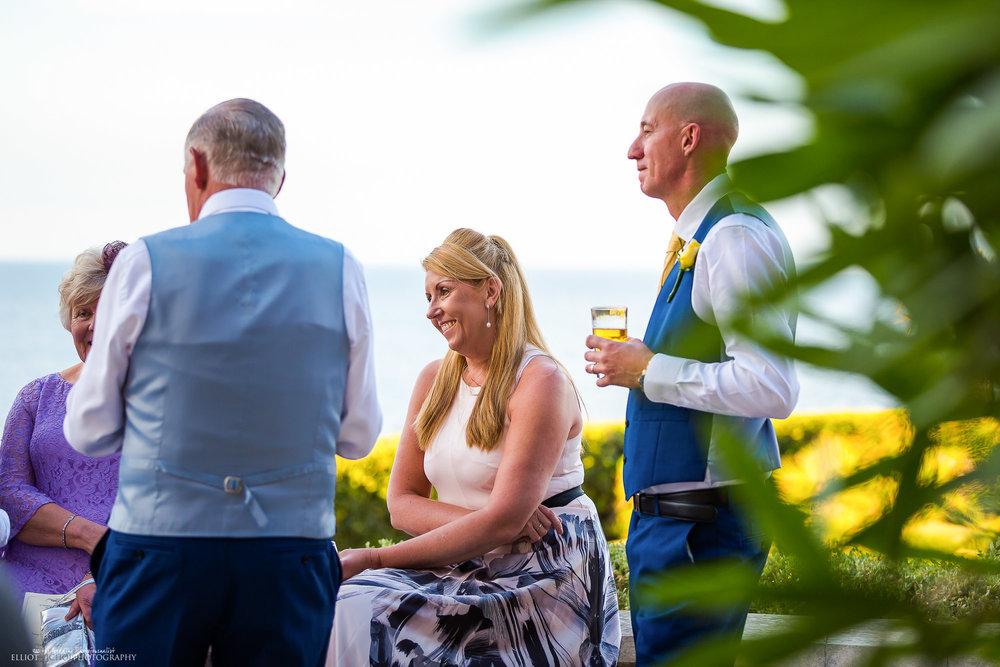 wedding-guests-photography-destination-sea