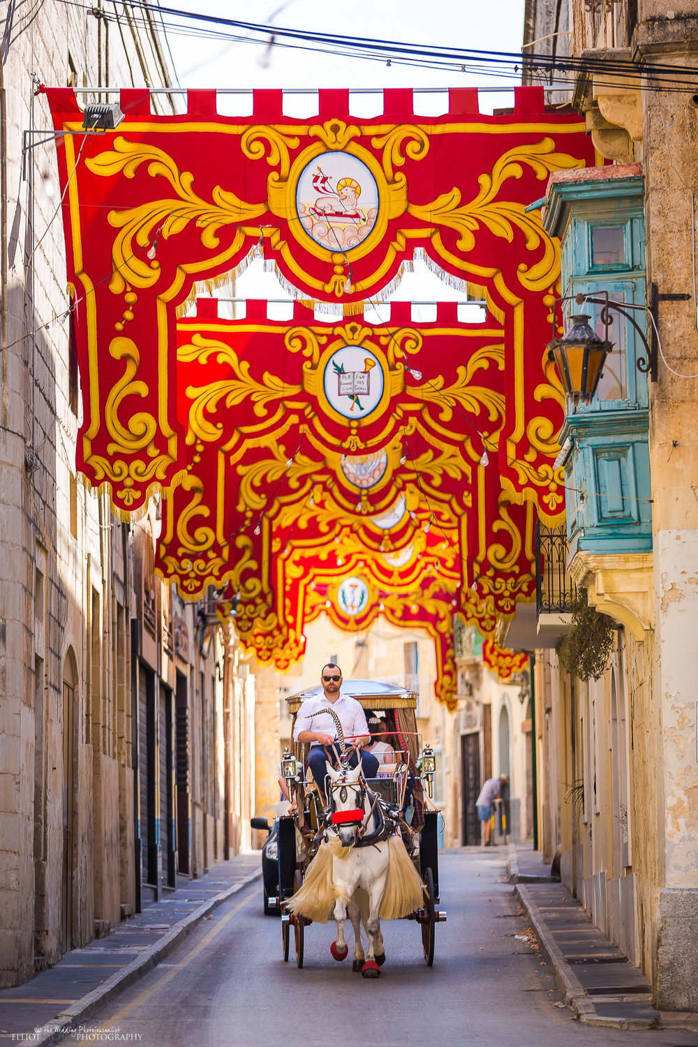 wedding-horse-carriage-wedding-photography-destination-Malta