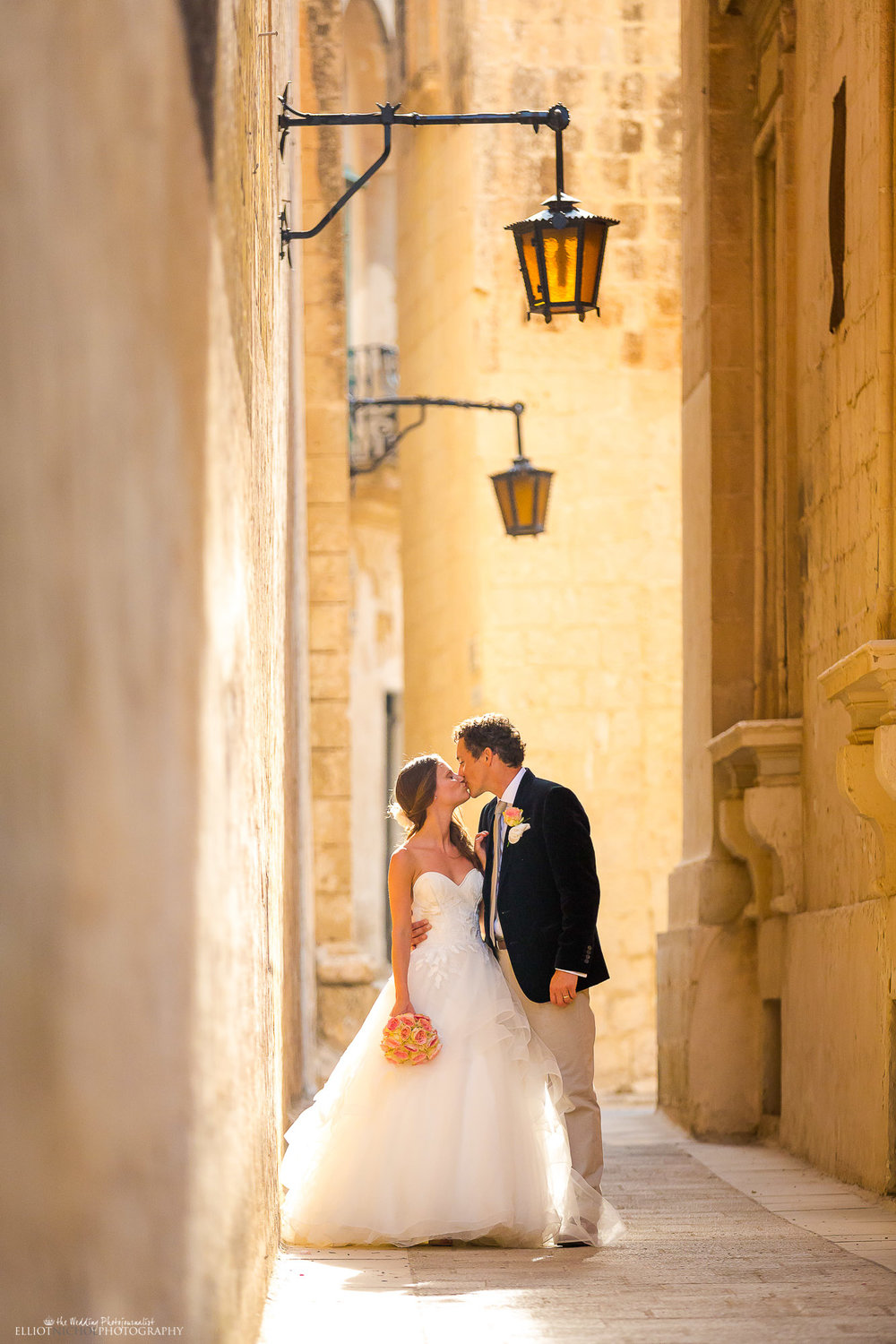 wedding-photography-destination-weddings-Mdina-Northeast-photographer