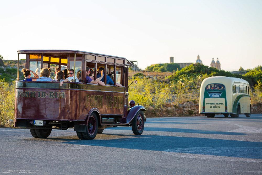 vintage-bus-Malta-wedding-transport-photographer-destination