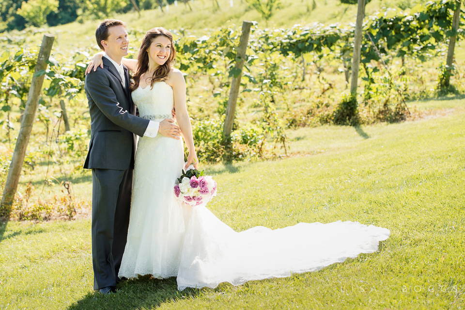 h&g_bluemont_vineyard_wedding_006