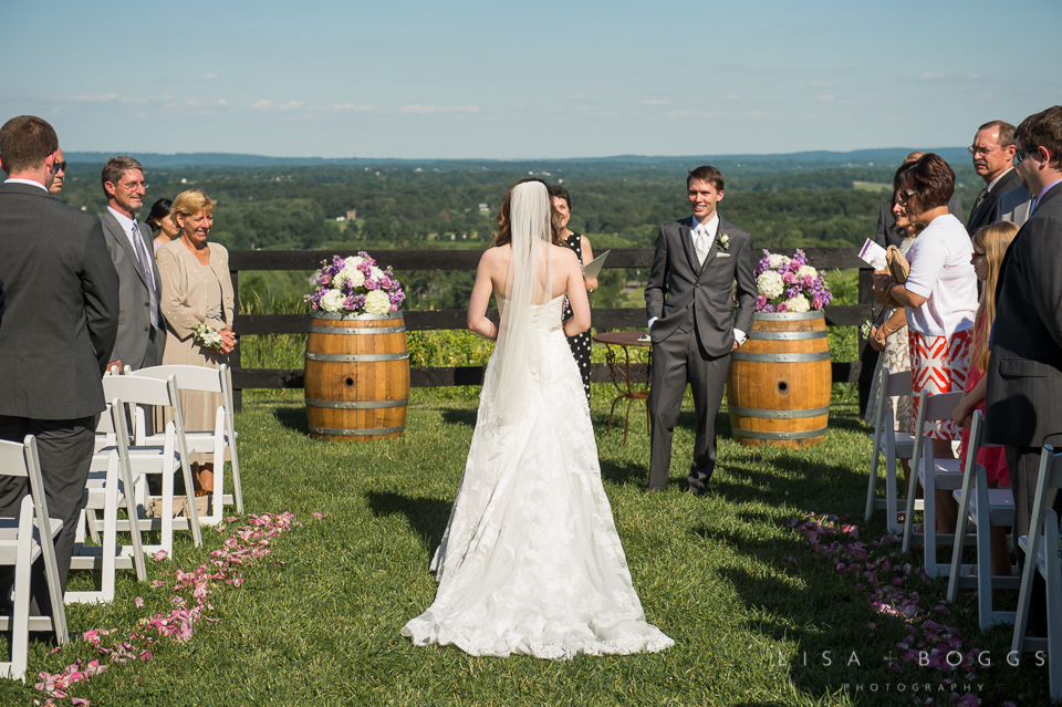 h&g_bluemont_vineyard_wedding_010
