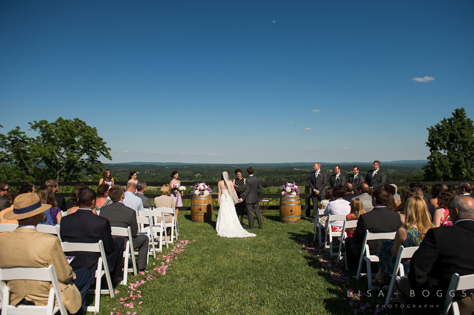 h&g_bluemont_vineyard_wedding_011