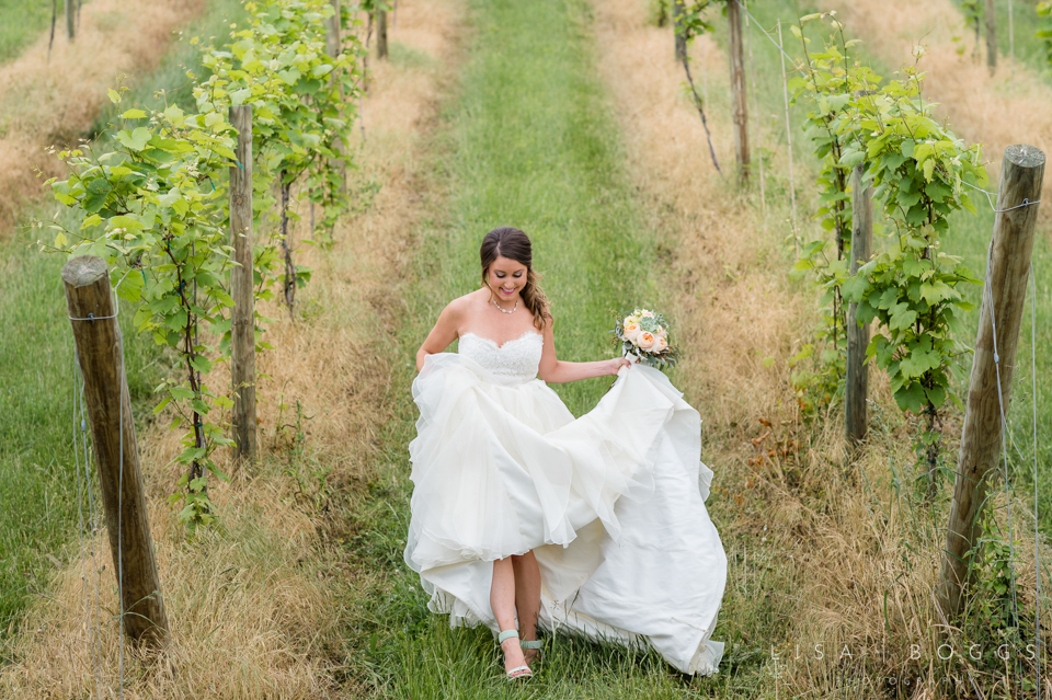 jodi_john_bluemont_vineyard_wedding_012