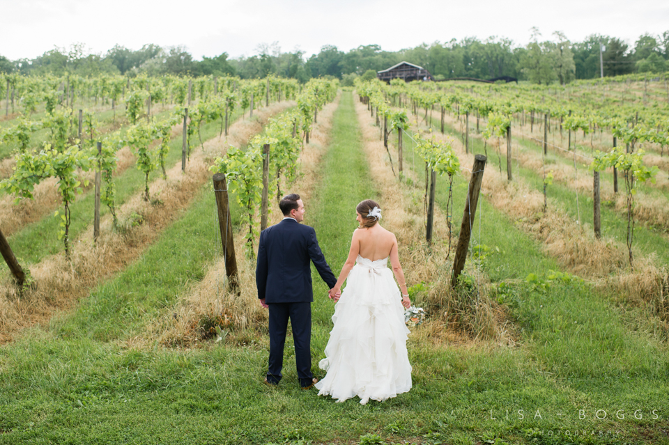 jodi_john_bluemont_vineyard_wedding_041