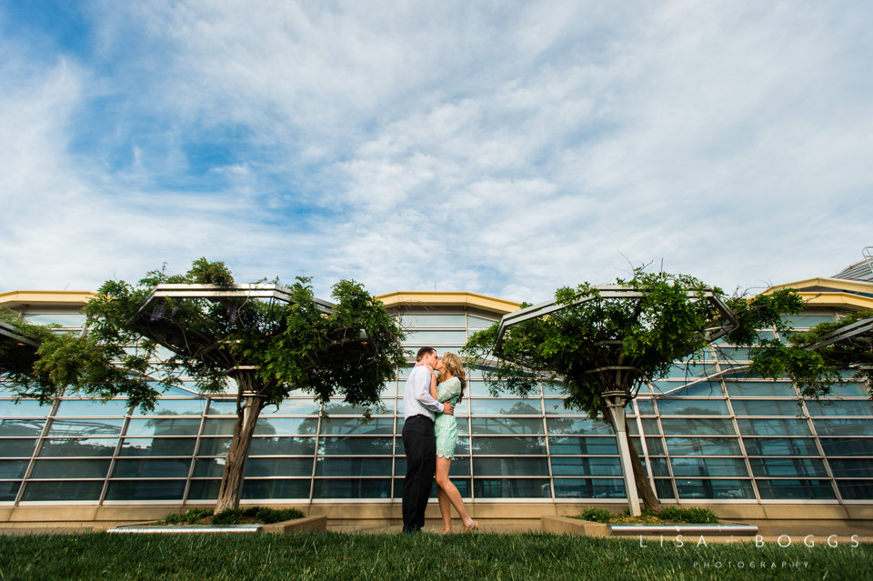 s&d_reagan_national_airport_engagement_portraits_lisa_boggs_photography_07.jpg