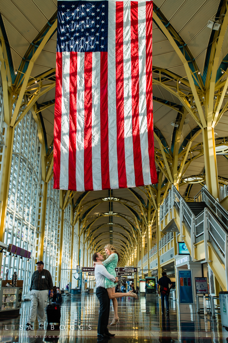 s&d_reagan_national_airport_engagement_portraits_lisa_boggs_photography_08.jpg