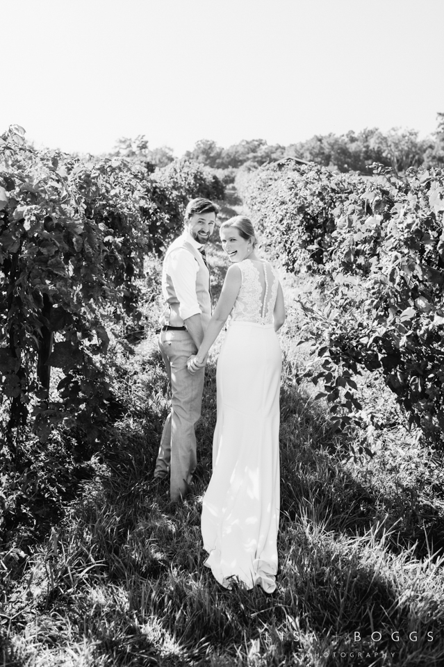 j&c_bluemont_vineyard_wedding_lisa_boggs_photography_08.jpg