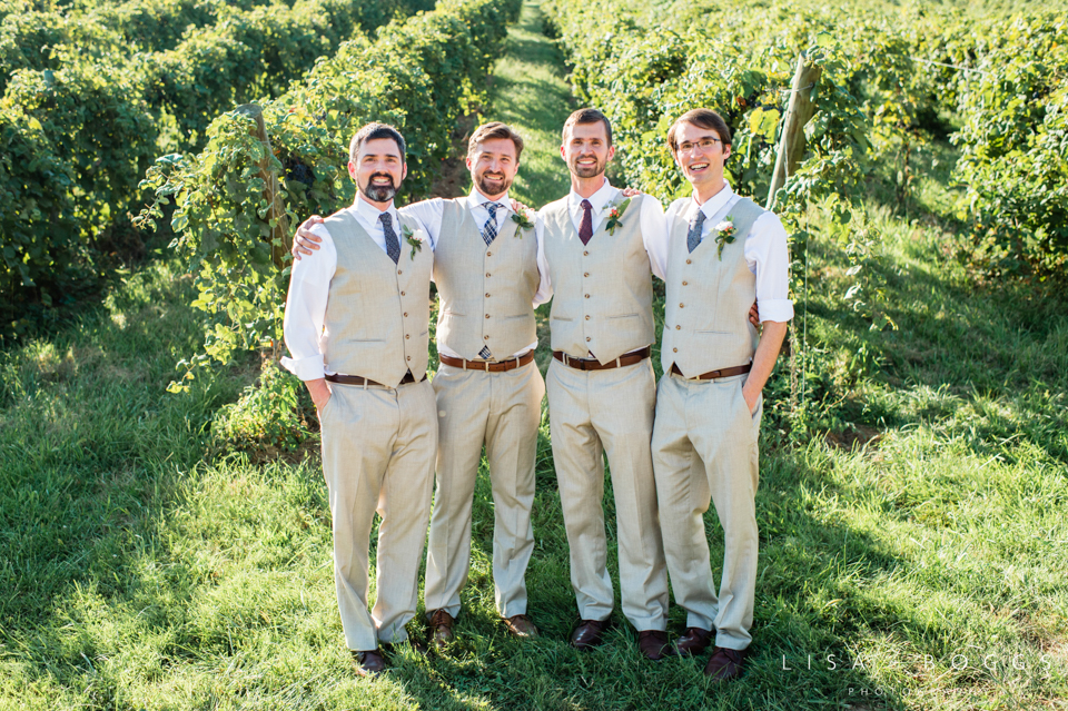 j&c_bluemont_vineyard_wedding_lisa_boggs_photography_12.jpg