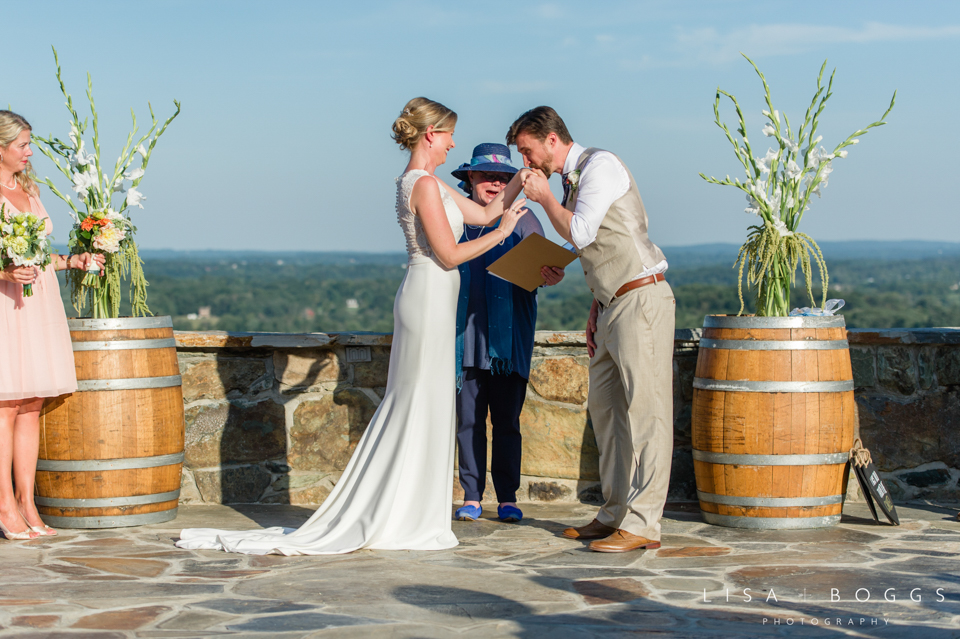 j&c_bluemont_vineyard_wedding_lisa_boggs_photography_21.jpg