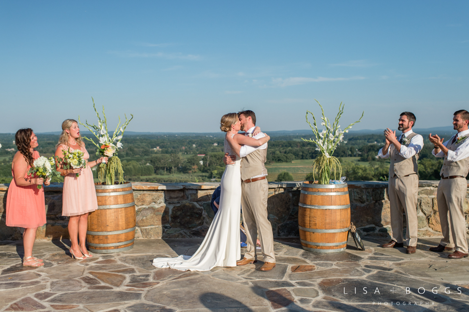 j&c_bluemont_vineyard_wedding_lisa_boggs_photography_22.jpg