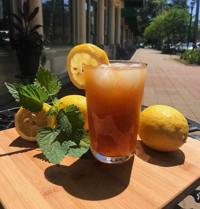 Come in and cool down with our organic freshly squeezed earl grey lemonade! Take advantage of the good weather and use our outside seating for quaint street views!  #stratford #tea #organic #stratfordct #local #nobaddays #ct #connecticut #tearoom #stratfordeats #lemonade #earlgrey