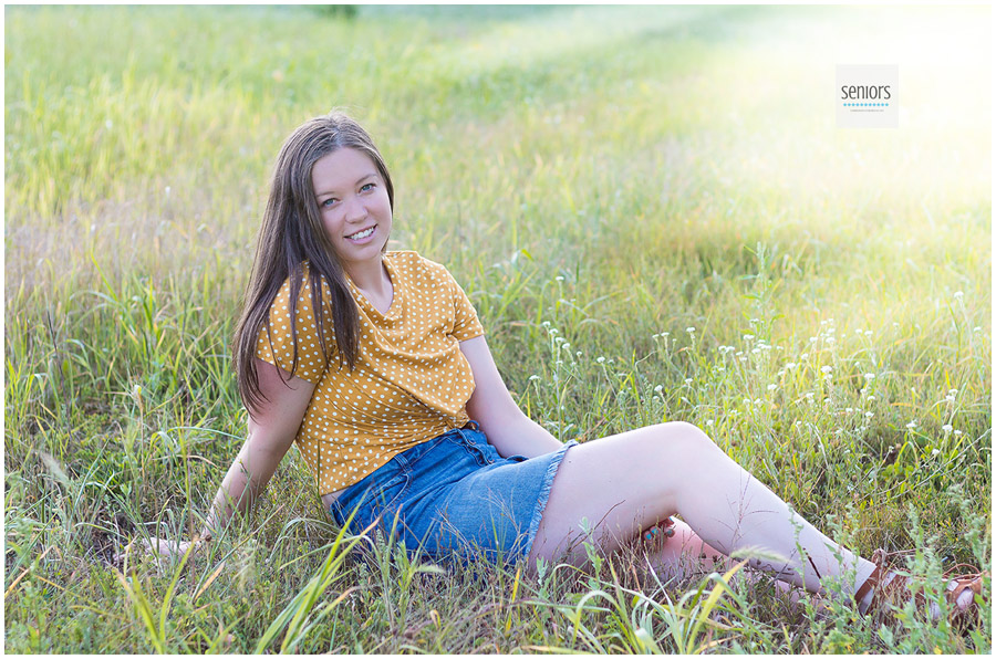Girl getting her senior photos taken in Elk River Minnesota.