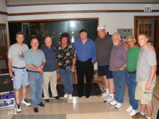 groupe of musicians in the studio nashville.JPG