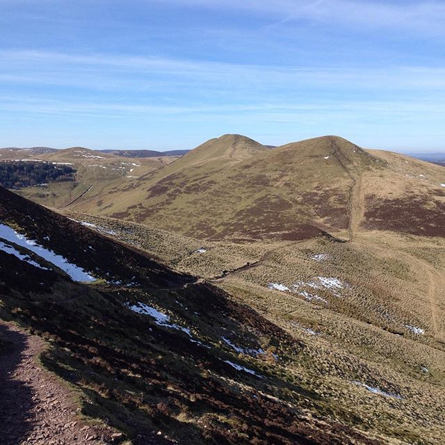 Still a sprinkling of snow in the pentlands yesterday #getoutdoors #hillrunning #running #offroad