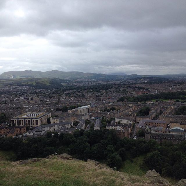 2 consecutive runs on the weekend, first time since May. Rewarded by this view! #backrunning #backoninstagram #arthursseat #injuredrunner #fringe