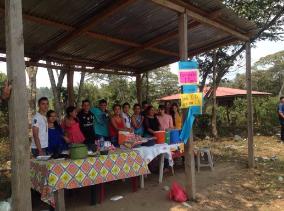 Expo venta Primero de Bachillerato en Desarrollo Sostenible de la comunidad de Fraternidad.