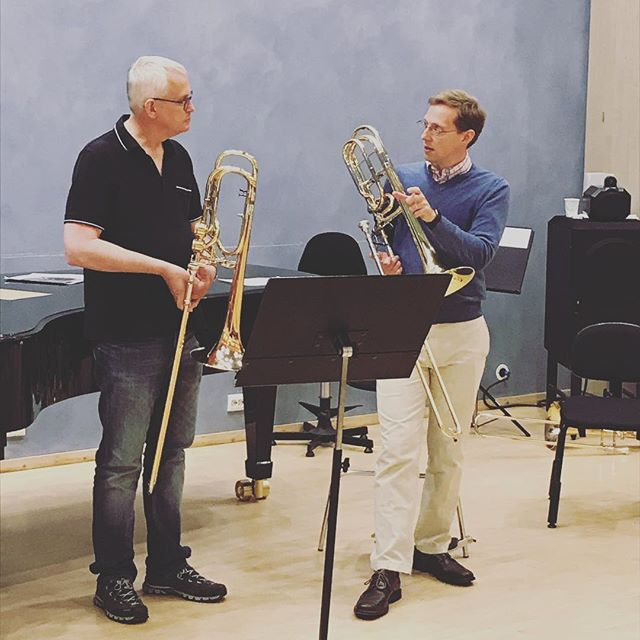 """Playing music is like acting"" - James Markey giving a master class with David Stevens.  #arctictrombones #tromsø #masterclass #trombone #trombonefestival"