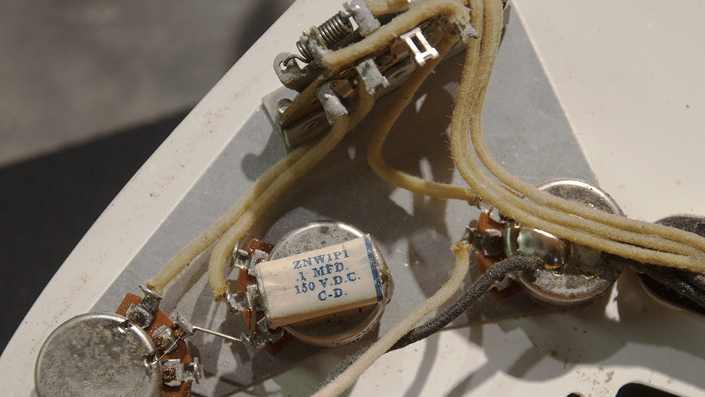 Original wiring from a 1958 Stratocaster.