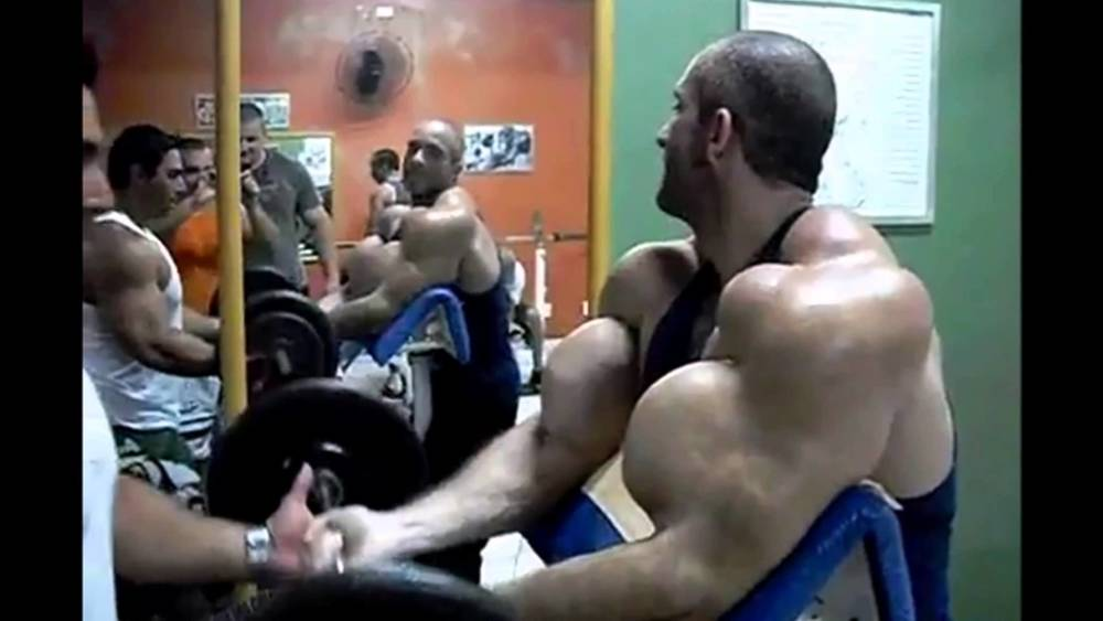 synthol-man-curling