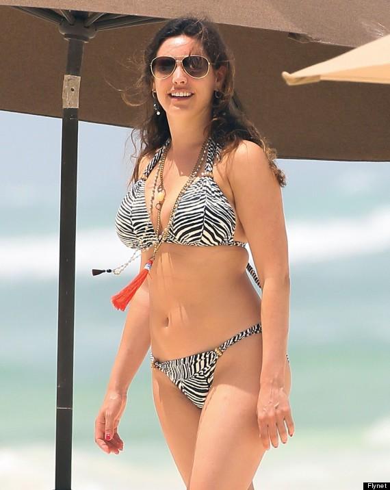 kelly-brook-beach-body-bikini