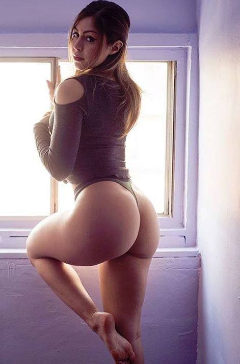 isabel-lahela-hot-butt-fitness-model