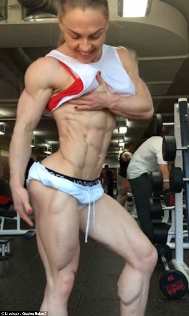 shredded-female-bodybuilder-zero-body-fat