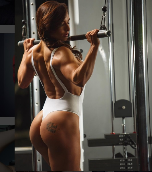 erin-connery-female-fitness-model
