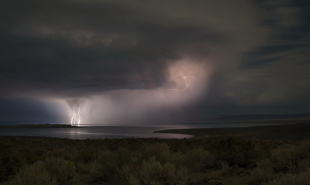 YR28--Keeler, Kirk, Lightning Over Mono Lake.jpg