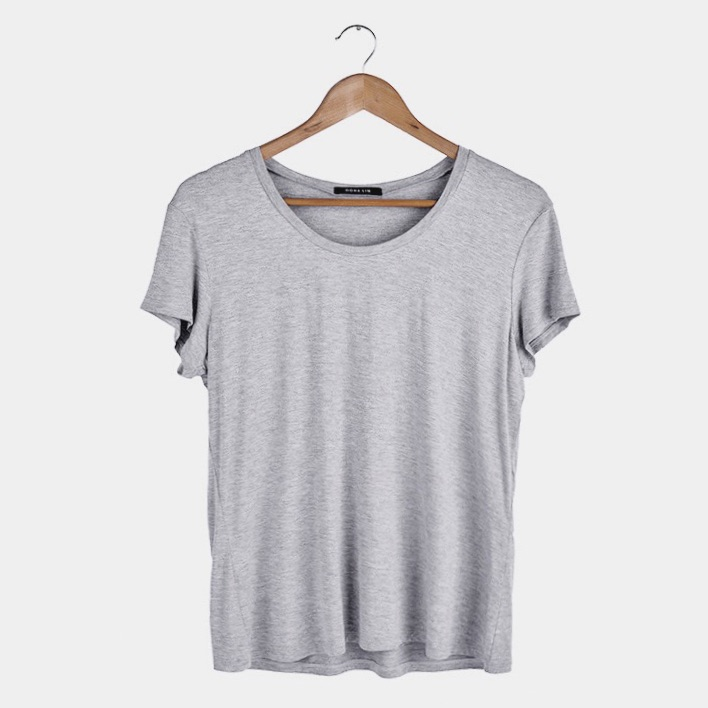 My must have travel tee. Wrinkle-free. Thermoregulated. Antibacterial. Uv protected.   Available at my Online Shop.