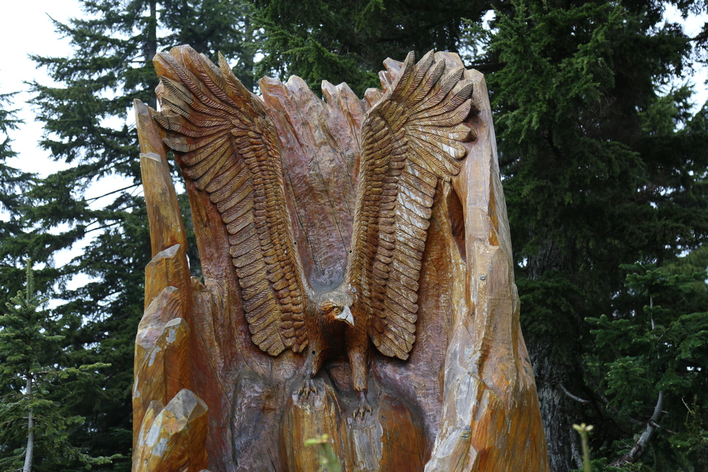 Amazing chainsaw carvings.
