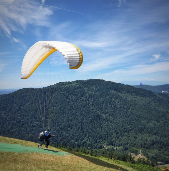 Paragliding off Poo Poo Point