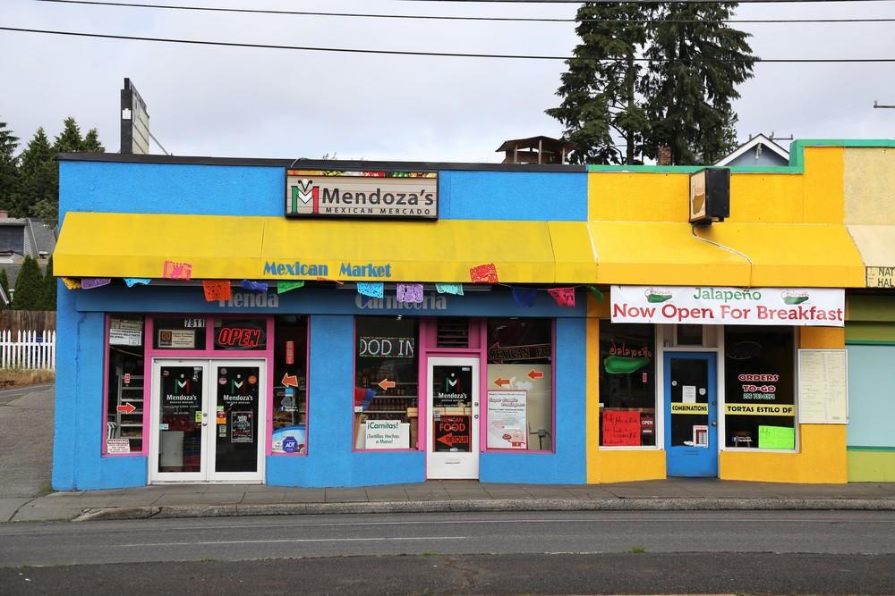 Brightly colored Mendoza's Mercado