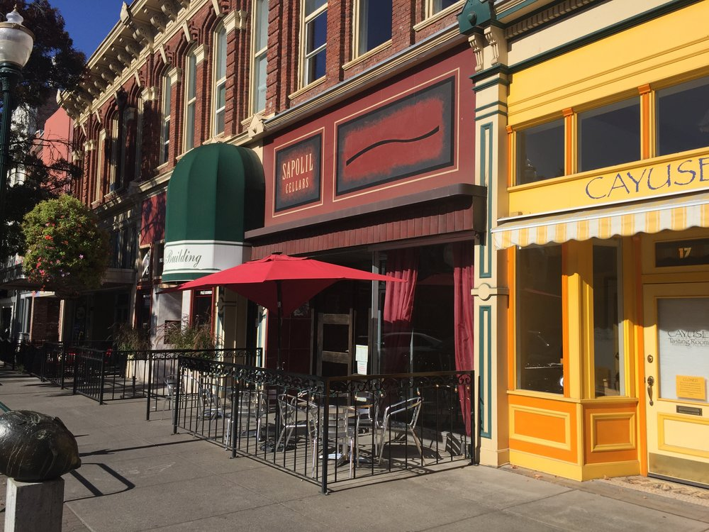 Many tasting rooms line the streets of downtown Walla Walla and make for a great afternoon stroll.