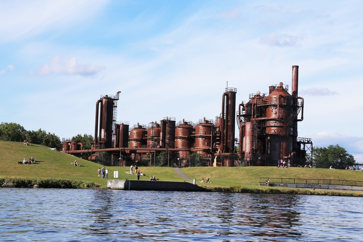 Gasworks Park in Seattle is one of the best lake front parks and people flock to it to fly kites, sun tan, and play games. The old gas plant gives it unique character too!