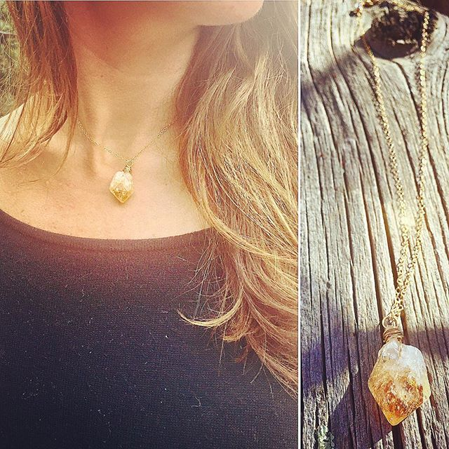 This raw Citrine gemstone necklace is a piece with delicate features balanced by the bohemian feel of the beautifully natural stone. Citrine will brighten up these darker months bringing bright energy, success, abundance and good luck ✨✌🏻️💎. Only one left on SprucedDesigns.com AND it's 20% off until Friday only! Use code: GETSPRUCED