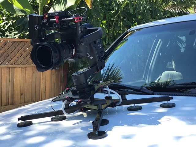 """Can you see?"" ----- ""Does it matter? We are getting the shot."" #safetyfirst #thenteamwork #r3d #rigwheels #cloud #carmount #explore"