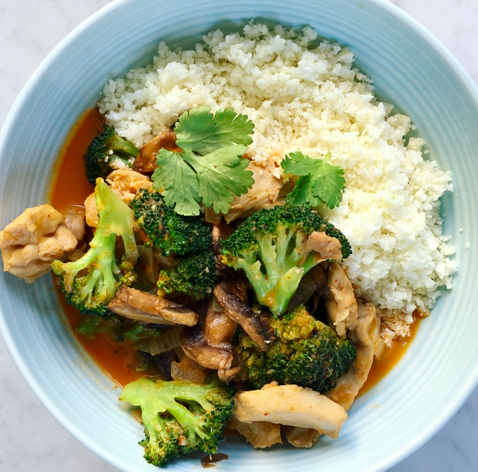 Thai Red Chicken Curry With Cauliflower Rice Health With Bec