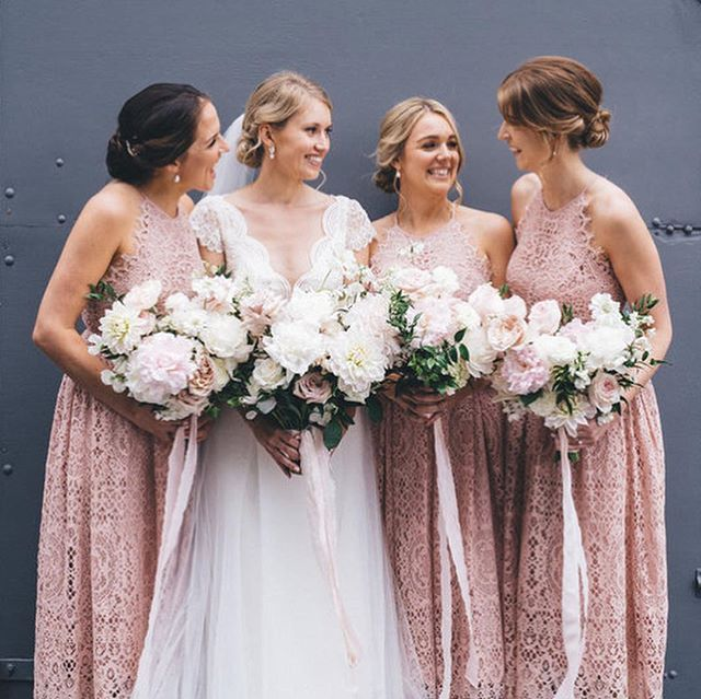 Eliza and her bridesmaids with their Miss Fleuriste bouquets ~ scroll across   because I can never choose one favourite when the amazingly talented @msannmarieyuen photographs my flowers!!! 💕| at @gunnersbarracks @grandpacificgroup
