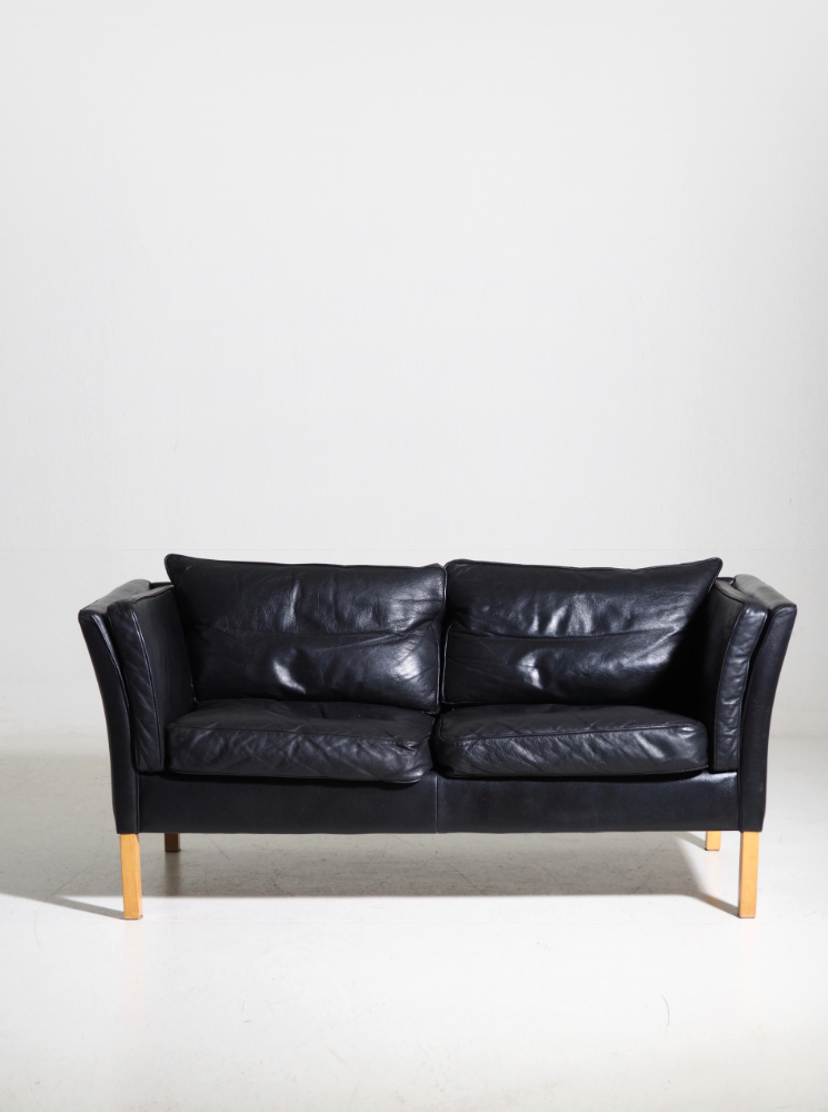 Sofa in black leather, Danish architect, 70's