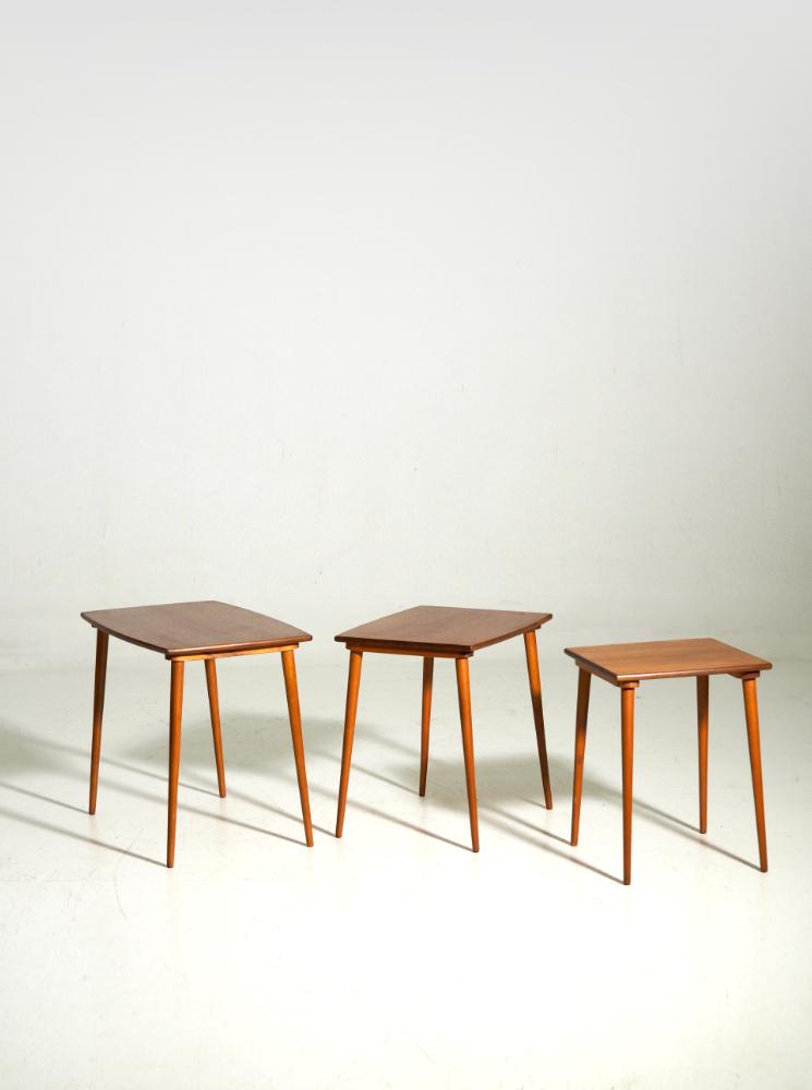 Fine nest of tables in teak, Danish architect, 60´s
