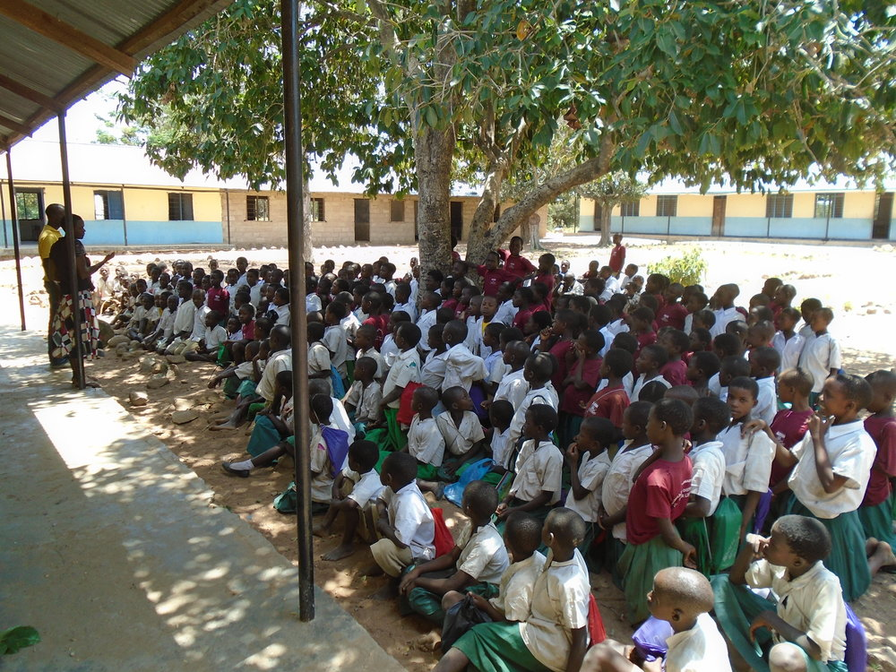 EASTERN TANZANIA 300 SOLAR LAMPS Funded by: E.ON