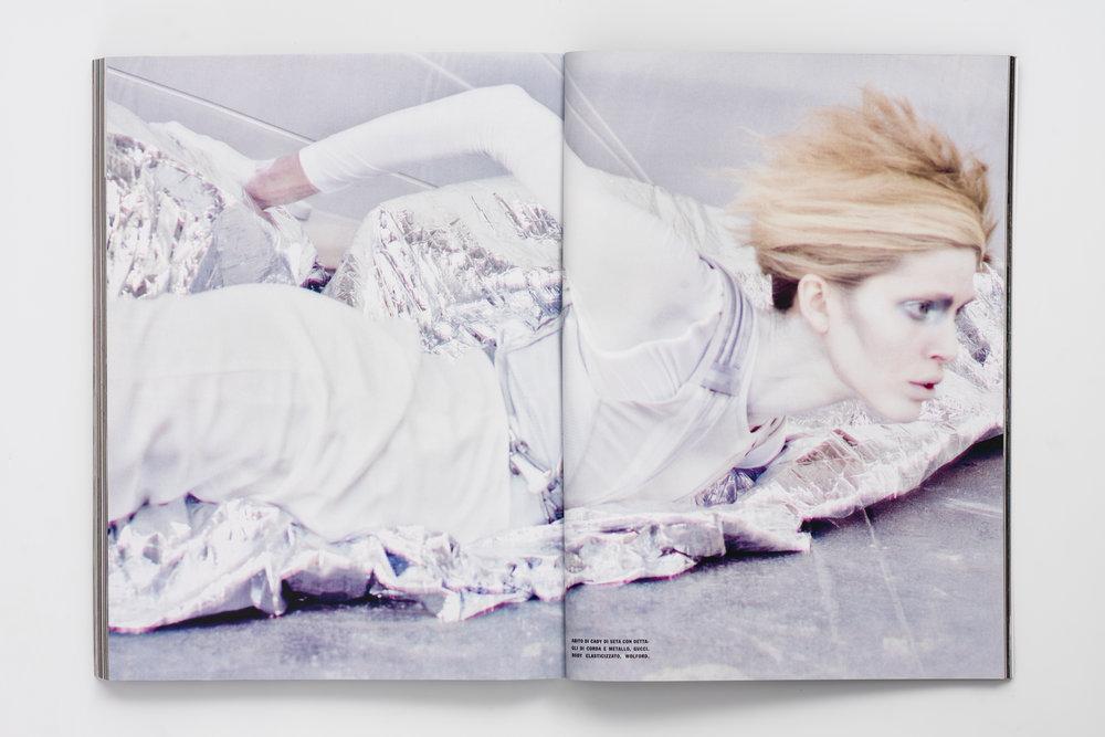 Iselin Steiro_Craig McDean_Vogue Italia_Step Into The Future_9.jpg
