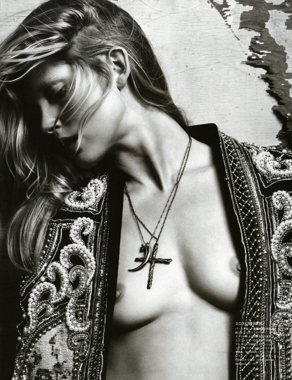 VoguejapanNovember2012 (3).jpg