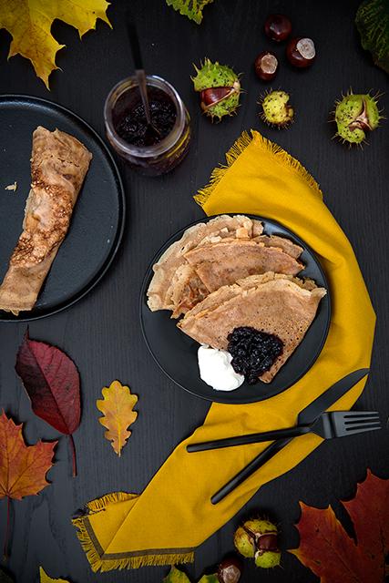 Chestnut pancakes with elderberry jam and whipped ricotta. Kastanjepannkakor med vispad ricotta och fläderbärssylt. Det blir bara pannkaka.