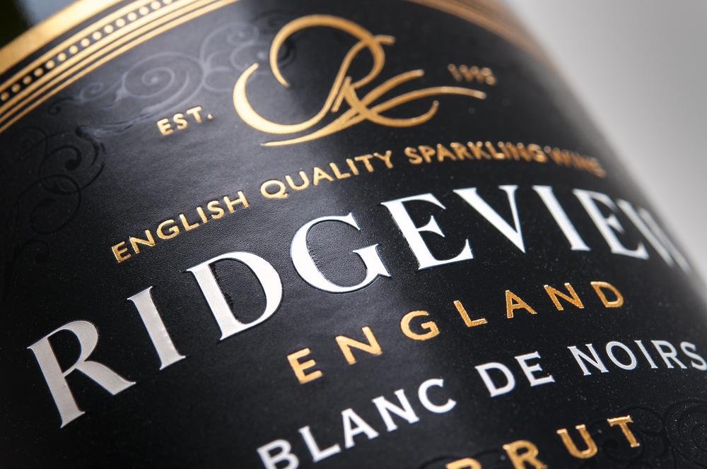 Ridgeview Blanc De Noir Closeup 3.jpg